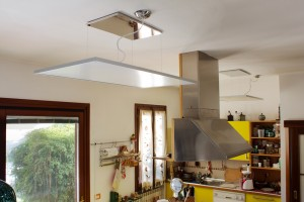 Plafoniera in acciaio inox a sospensione per applicazioni a soffitto